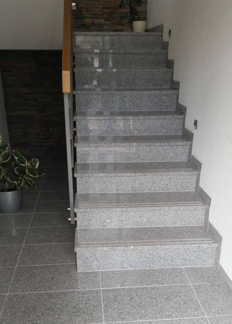 G 603 Escalier et sol