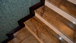bidasar_gold_stairs