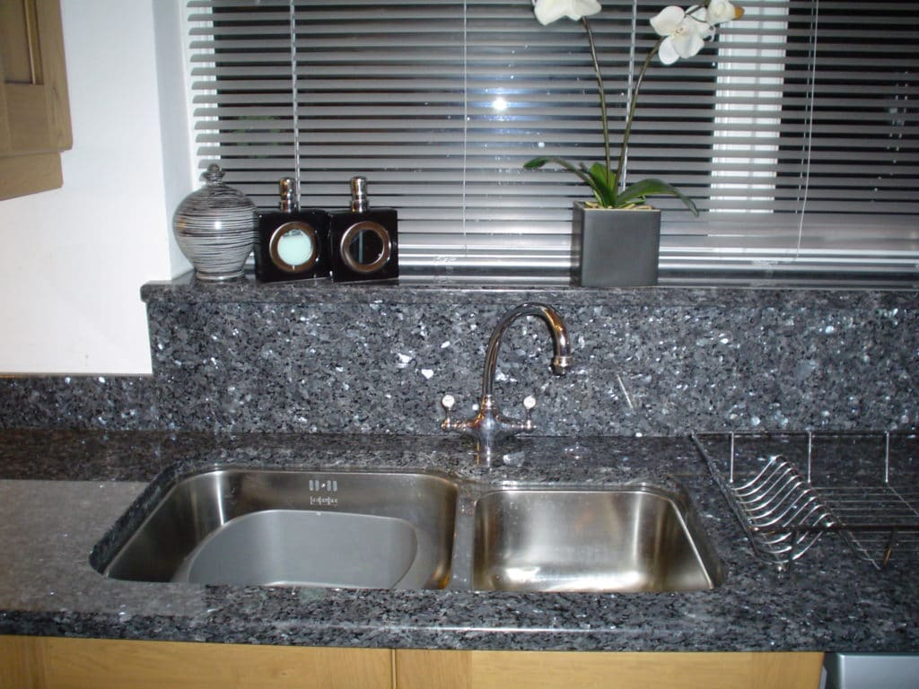 blue-pearl-granite-worktop