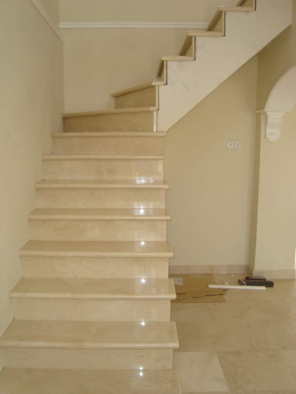 marbre-crema-marfil-standard-marches