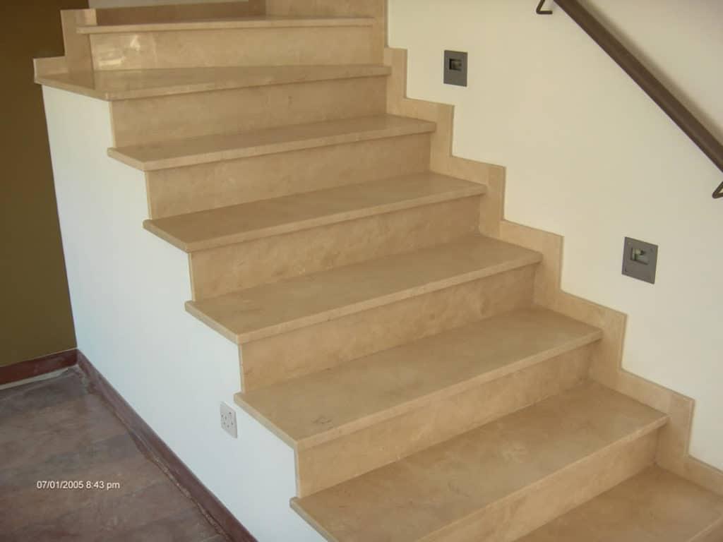 marbre-crema-marfil-standard-escalier