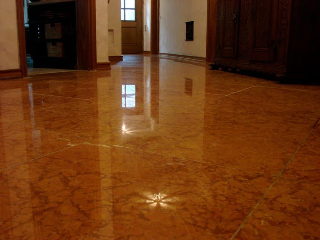 Rosso verona floor