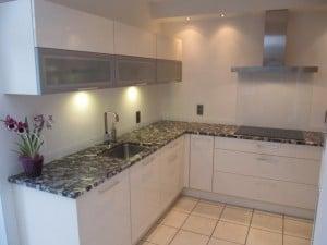 Cuisine-laquée-magnolia-de-marque-Artego-201207111638264m