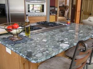 kitchen-countertops-with-quartz-and-dark-granite-kitchen-countertop-with-quartz-and-black-granite-920x688