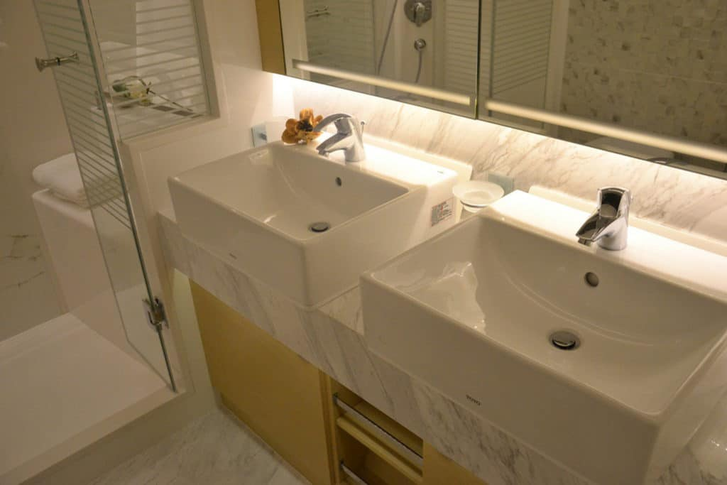 mur-de-douche-feuille-de-marbre-14
