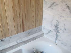 mur-de-douche-feuille-de-marbre-5