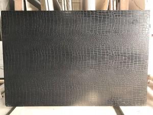 Aligator Black